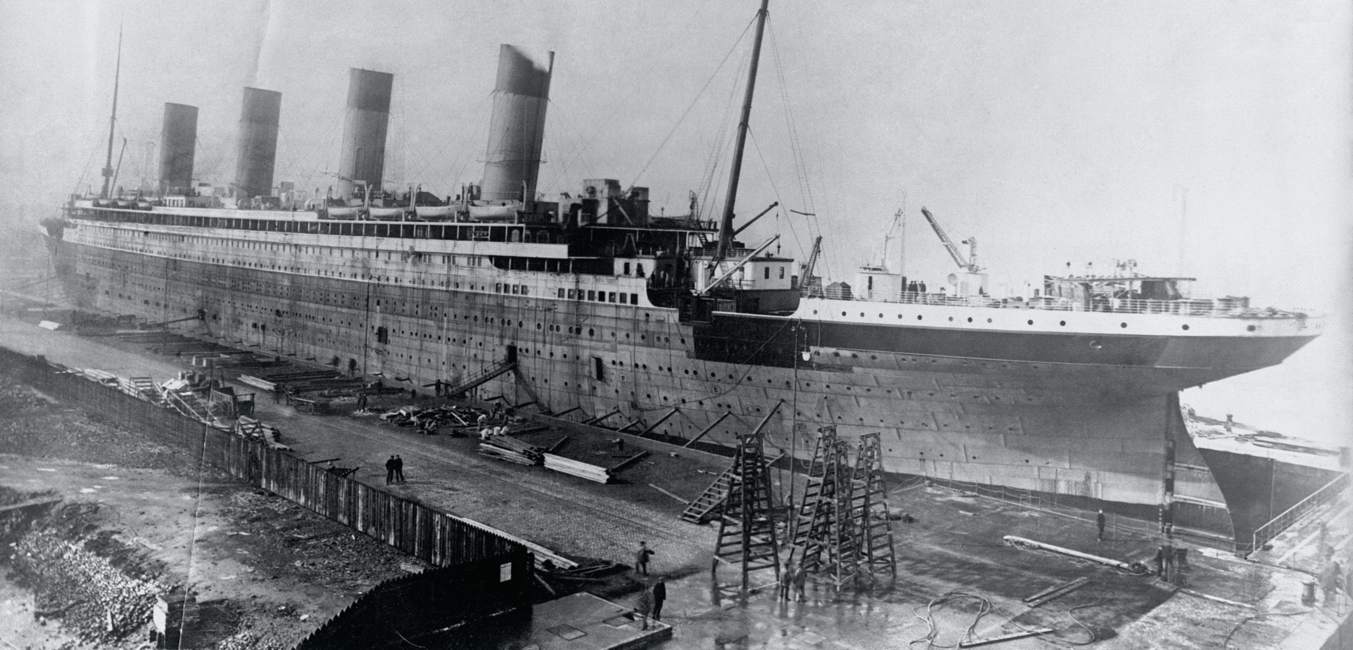 Workers build the S.S. Olympic, one of the Titanic's sister ships. Photo by Bettmann/Corbis