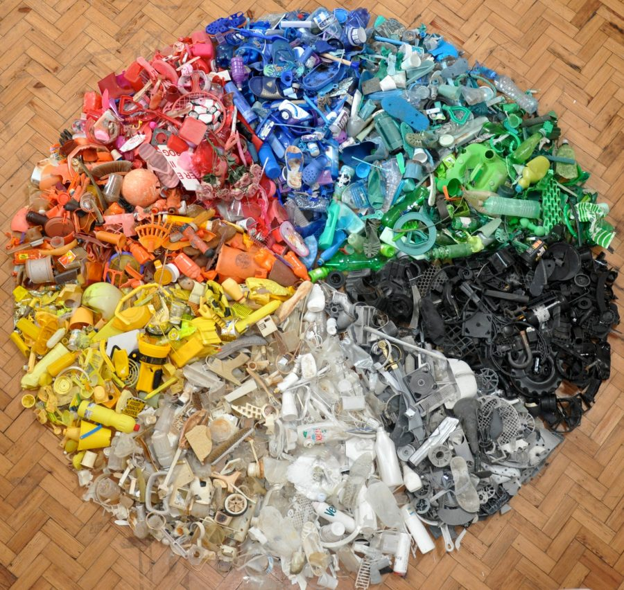 This circular installation, with a four-meter diameter, shows a color-coded cross section of garbage from a beach in Suffolk, England. Photo courtesy of Fran Crowe
