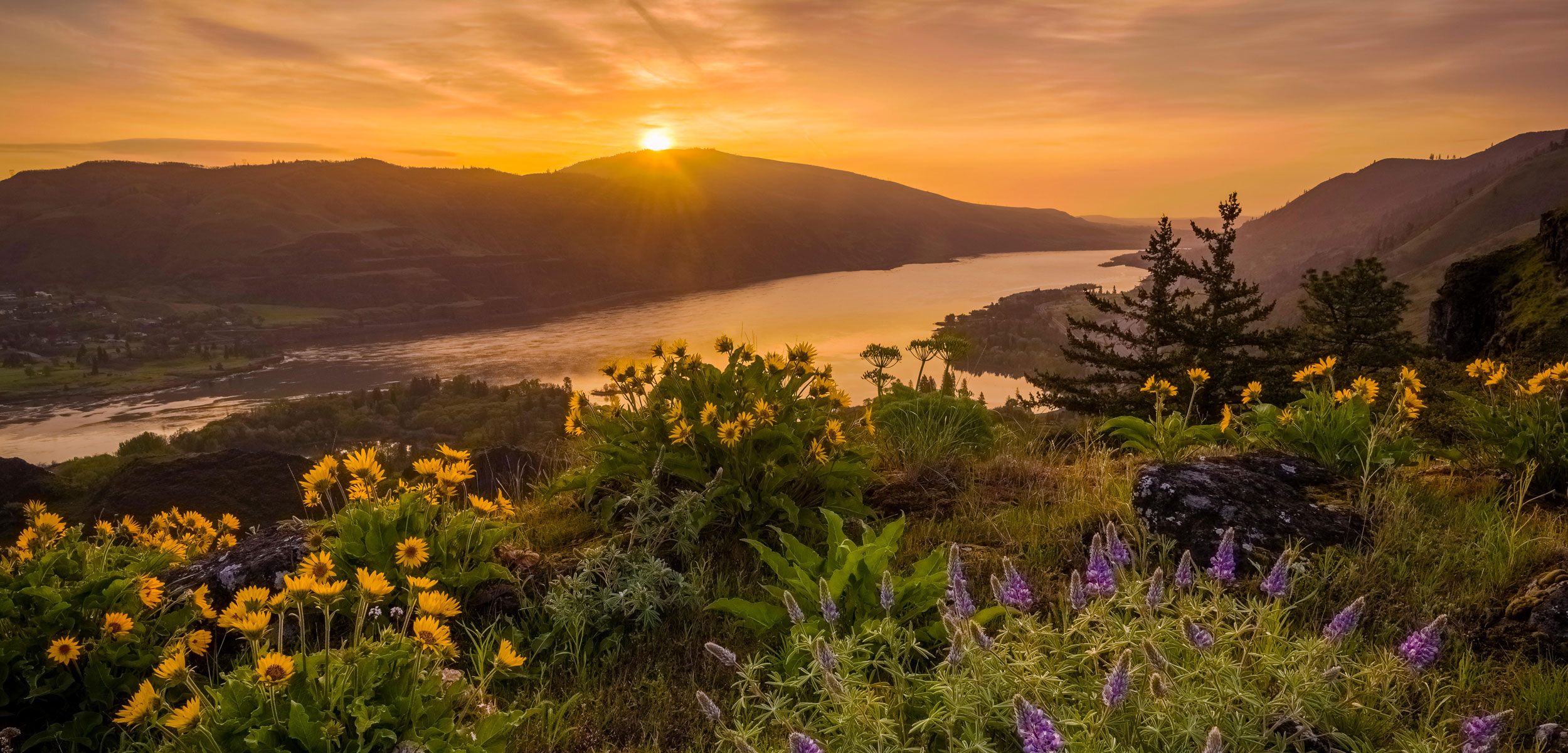 sunrise over the Columbia River Gorge