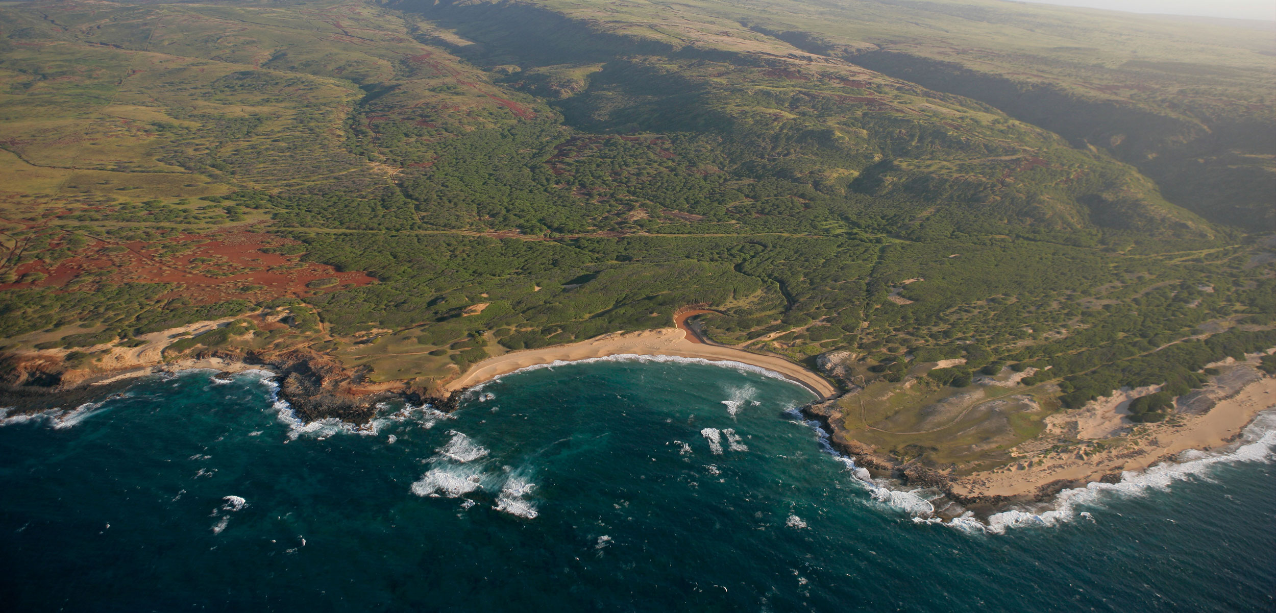 aerial photo of Mo'omomi Preserve, Moloka'i