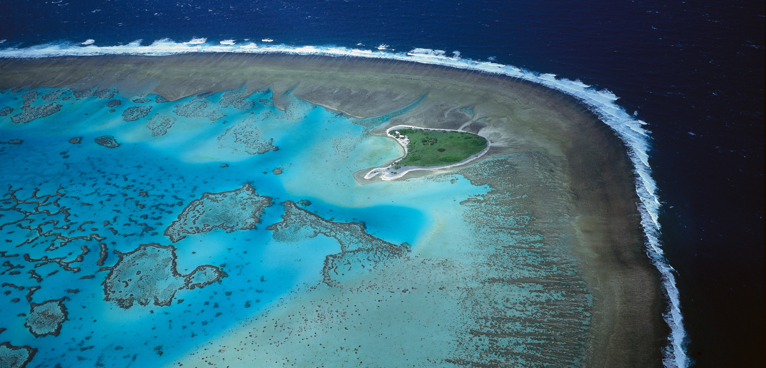 One Tree Island and reef, Capricorn-Bunker group, Great Barrier Reef Marine Park, Queensland, Australia