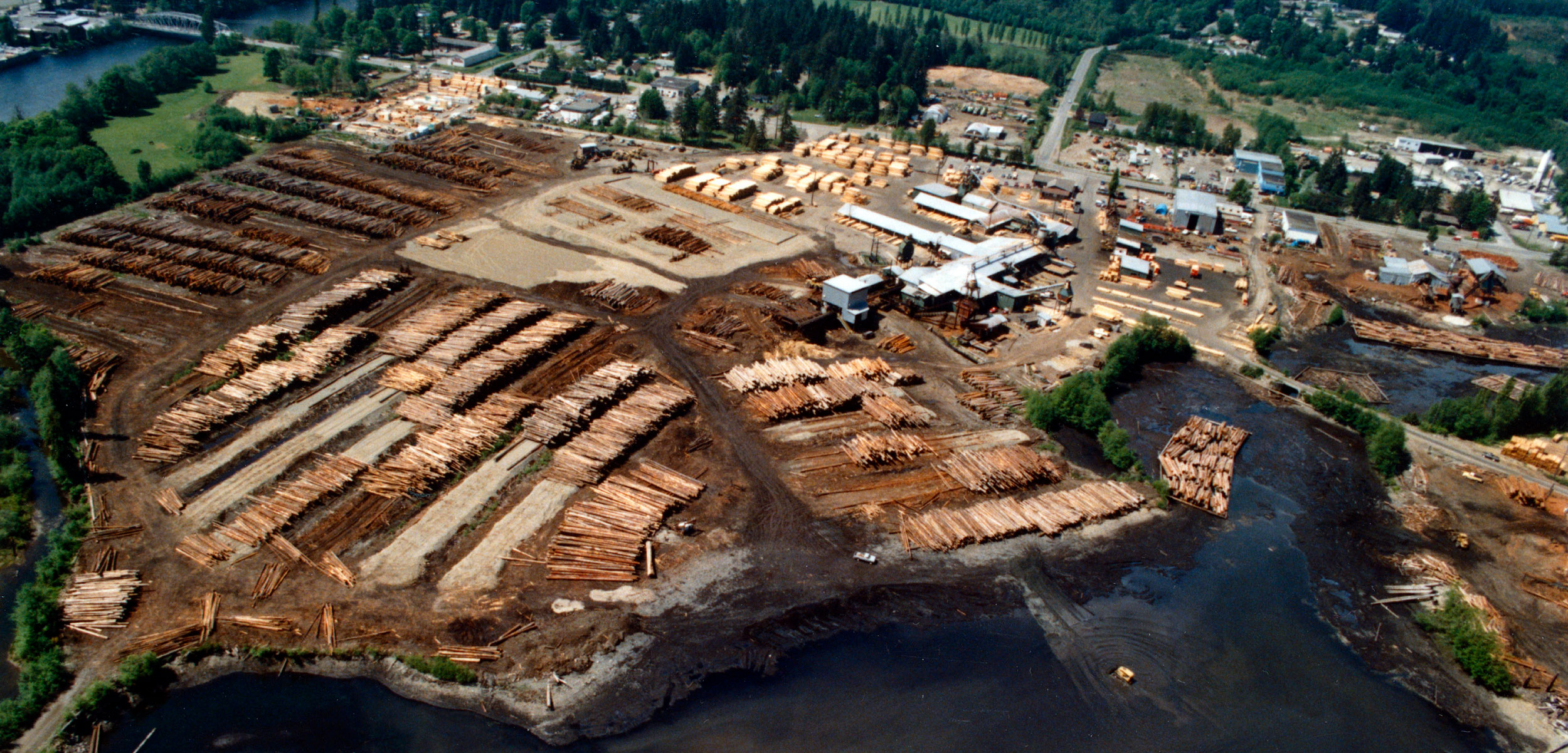 aerial photo of sawmill in the Campbell River Estuary, 1989