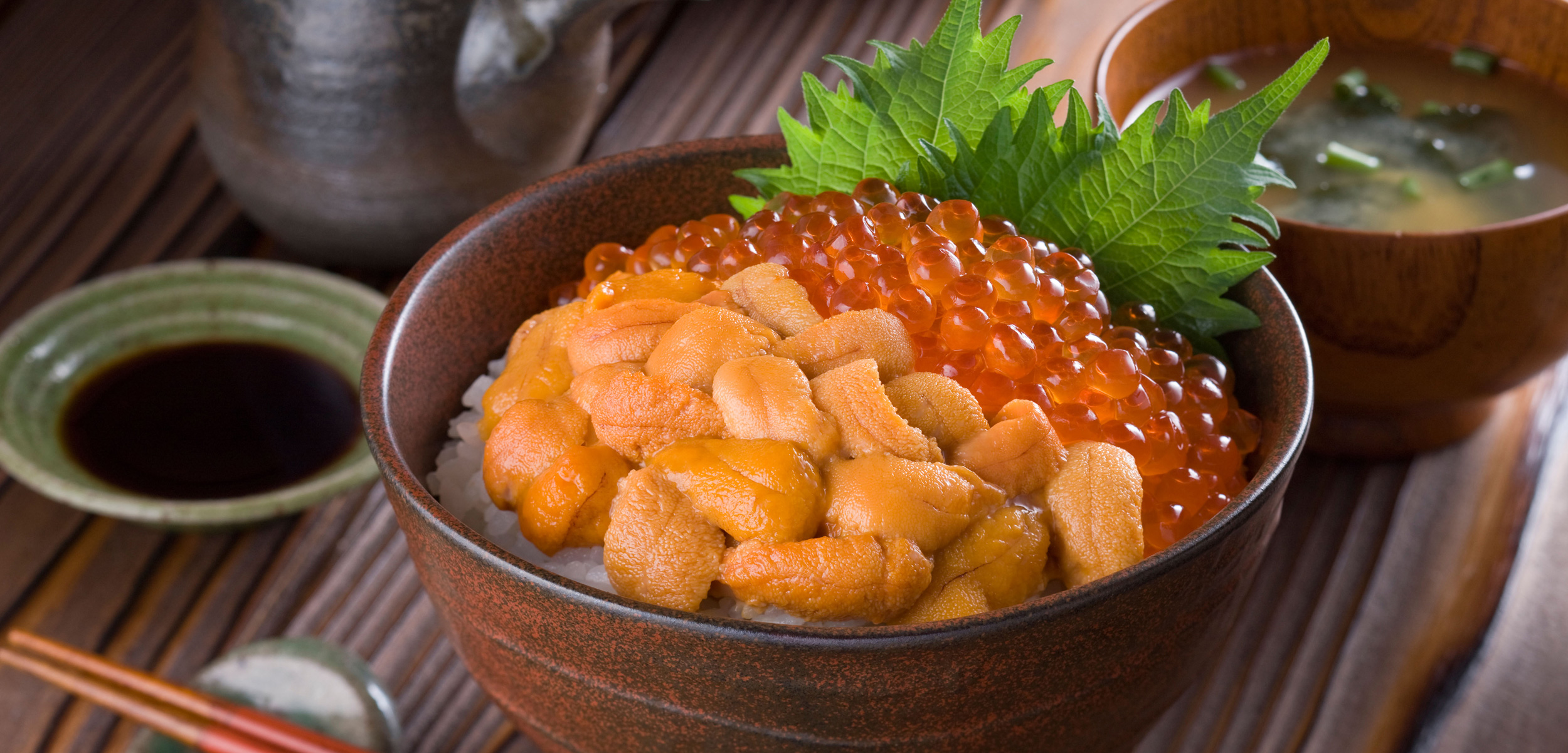 A bowl of uni ikura don