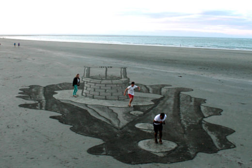 Sand art by Constanza Nightingale and David Rendu