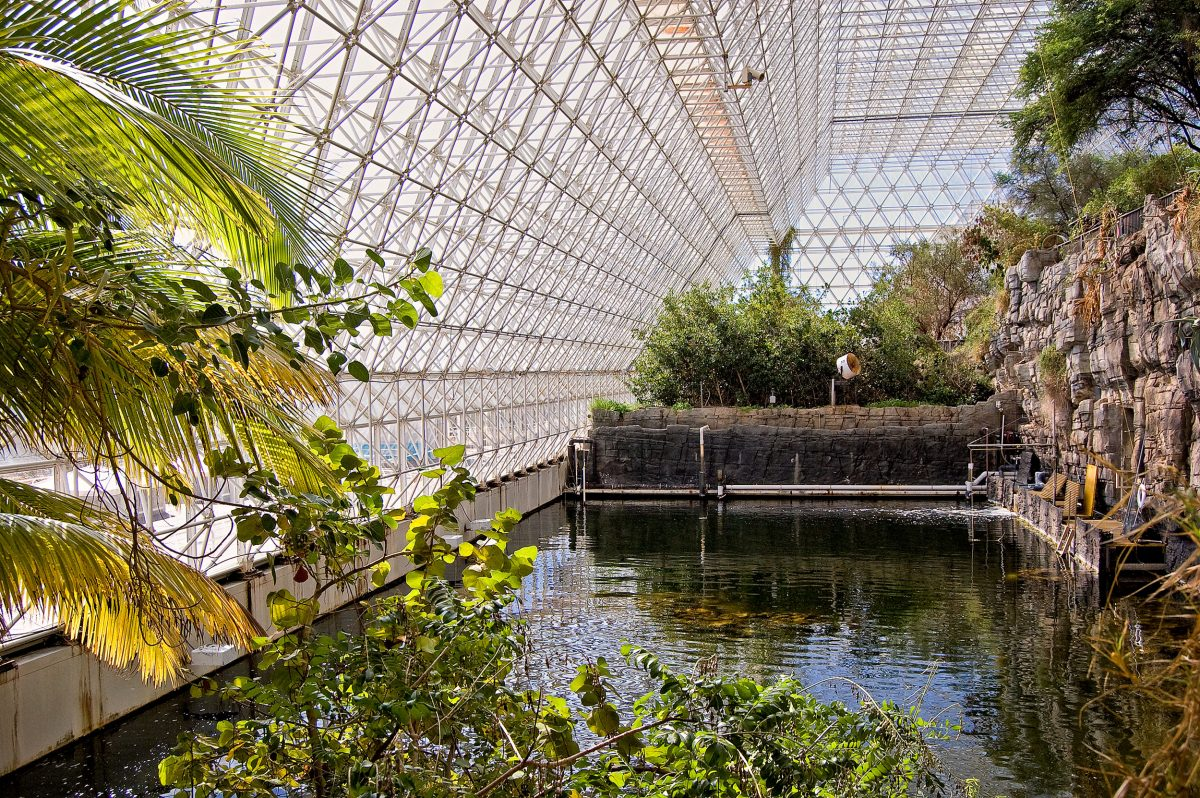 the ocean environment in Biosphere 2